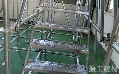 钢跳板爬梯